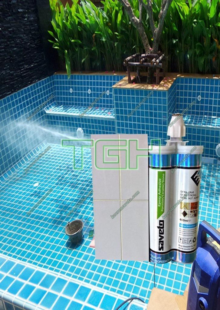 Chà ron chống thấm bằng keo Saveto cho hồ bơi (1)